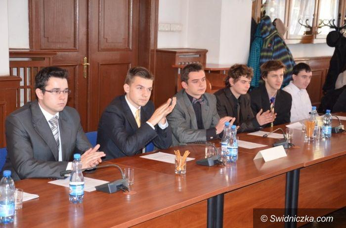 Strzegom: Młodzi radni zadebiutowali w swojej roli