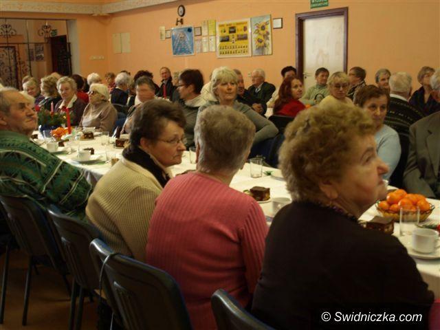 Świebodzice: Wigilijne serdeczności u seniorów