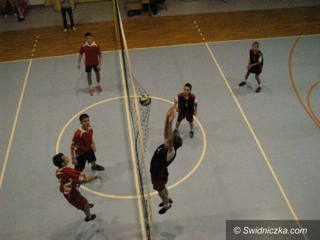 Świdnica: Siatkarskie turnieje w kategorii szkół gimnazjalnych