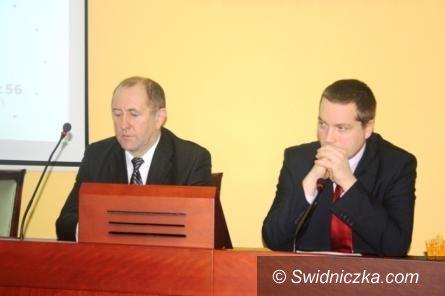powiat wałbrzyski: Powiat wałbrzyski na koniec 2012 roku nie ma budżetu na 2013 rok