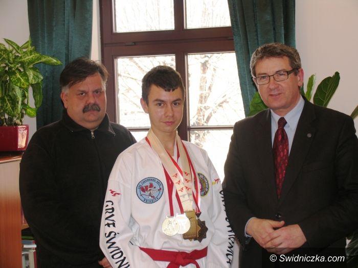 Świdnica: Mistrz taekwondo u prezydenta
