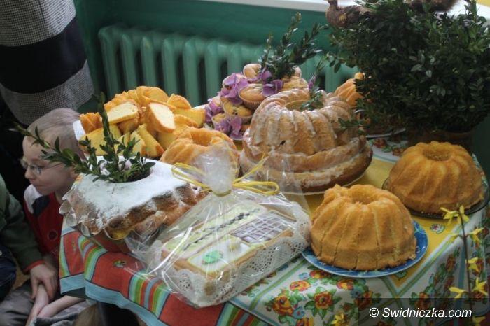 Świdnica: Wielkanocny stół w SP 315