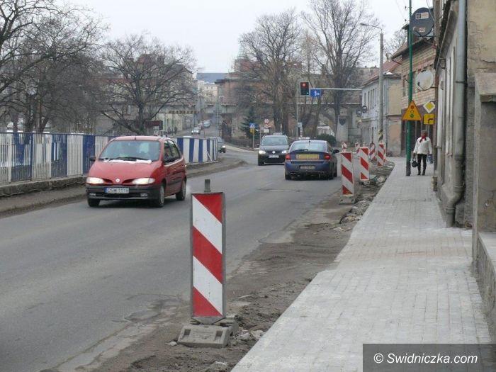 Strzegom: Razem wyremontują chodniki i wybudują zatokę