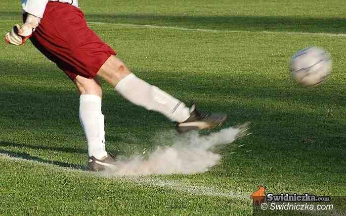 IV-liga piłkarska: Bolesna porażka AKS–u