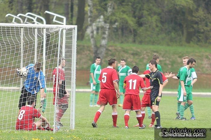 IV-liga piłkarska: Kosztowna porażka AKS–u