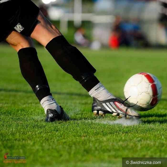 IV-liga piłkarska: Pięć bramek w Strzegomiu