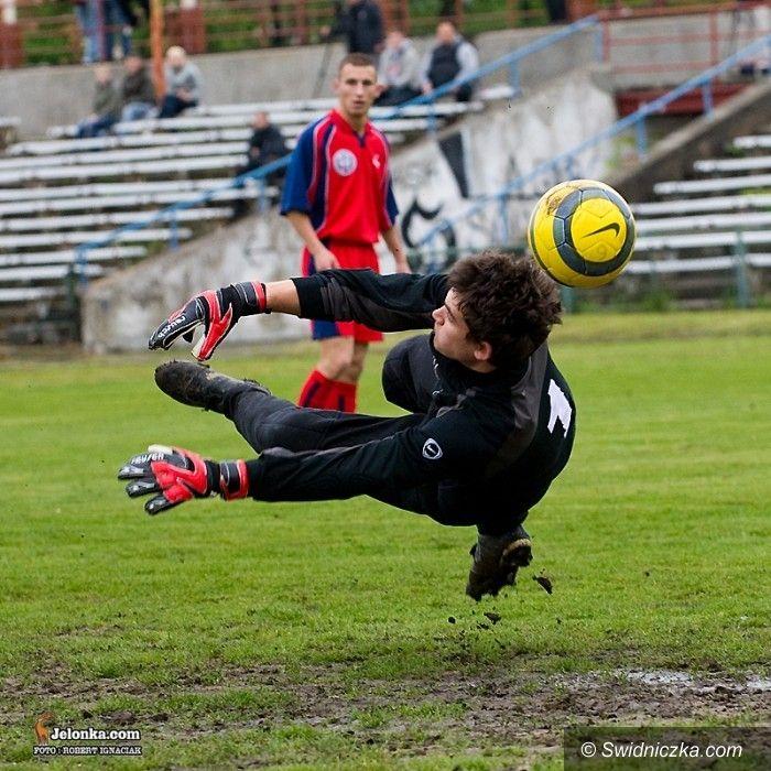 IV-liga piłkarska: Zbliżyli się do miejsce premiowanego awansem