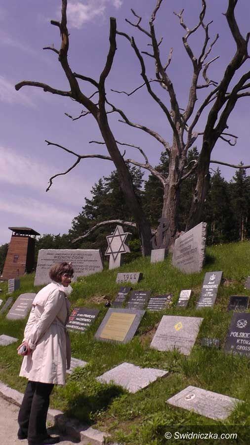 Rogoźnica: Wizyta przedstawicieli Muzeum Holocaustu w Rogoźnicy