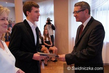 Świdnica: Nagrody dla świdnickich prymusów