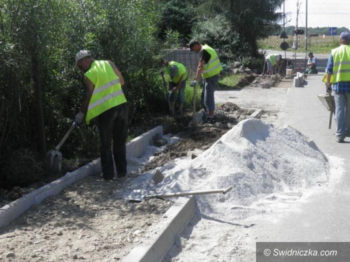 Imbramowice: Trwa budowa chodników
