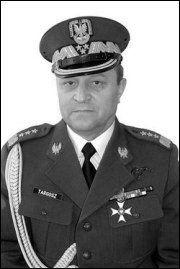 Kraj: Zmarł Honorowy Obywatel Strzegomia – generał Stanisław Targosz