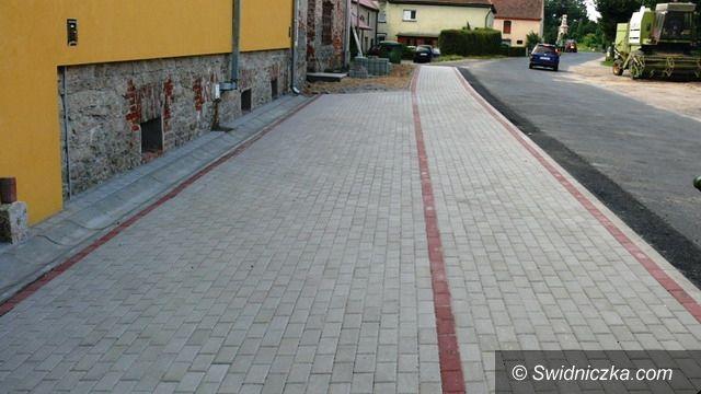 Gmina Strzegom: Remonty chodników przy drogach powiatowych