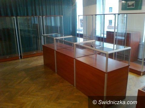 Żarów: Nowy sprzęt ekspozycyjny w Żarowskiej Izbie Historycznej