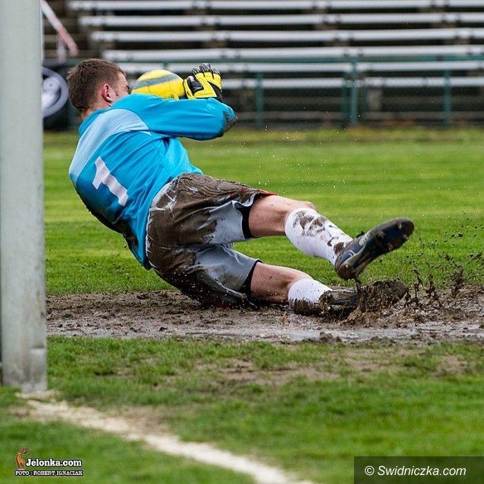 III-liga piłkarska: Dotkliwa porażka Polonii w starciu ze Ślęzą