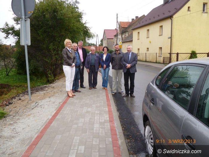 Region: Nowe chodniki w gminie Świdnica i gminie Strzegom
