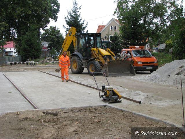 Marcinowice: Deptak w Marcinowicach