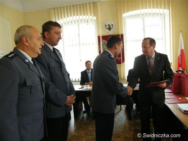 Świebodzice: Podziękowania dla świebodzickich policjantów i wolontariuszy