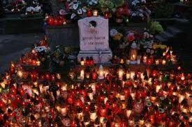 Świdnica: Ogłoszenie dot. handlu zniczami i kwiatami przed Świętem Zmarłych