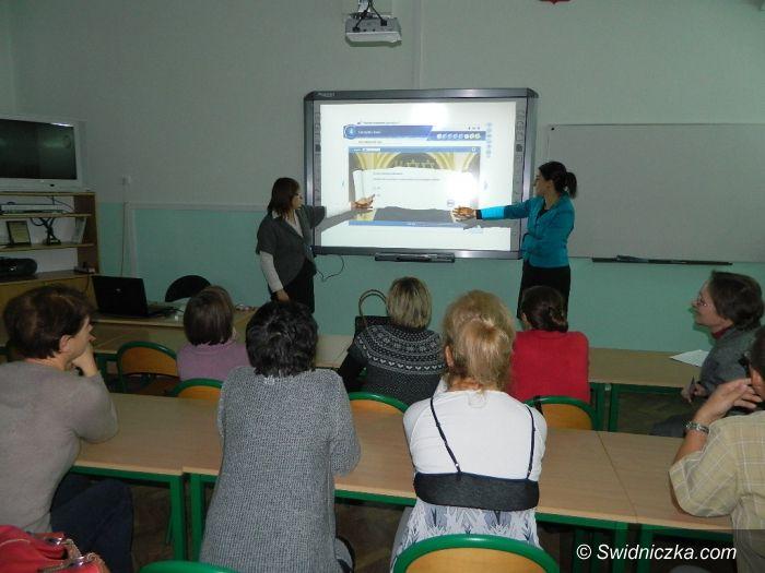 Świdnica: Gimnazjum nr 3 szkoli świdnickich bibliotekarzy