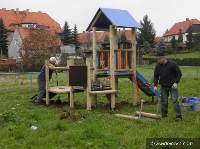 Gmina Żarów: Bezpieczne miejsca do zabawy