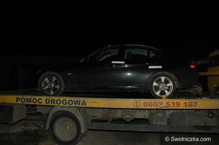 Świdnica: Trzymał w garażu kradziony motor, BMW i 1320 litrów spirytusu