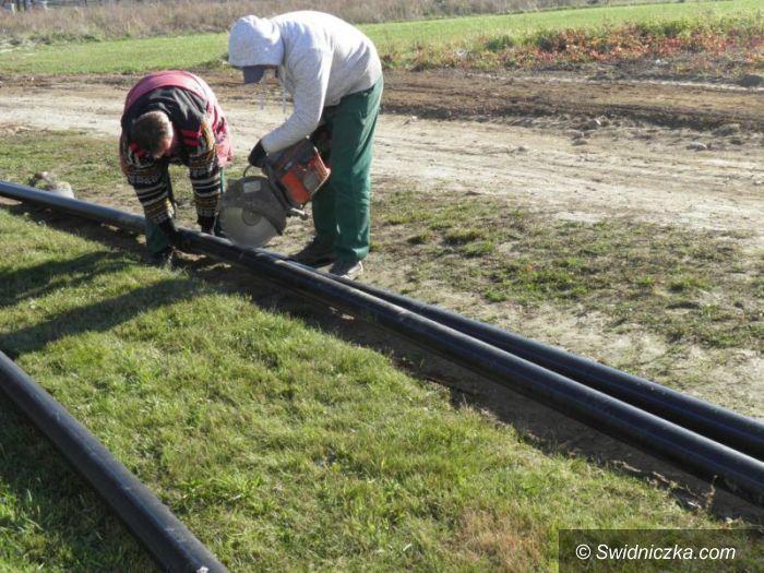 Wierzbna: Wymieniają sieci wodociągowe