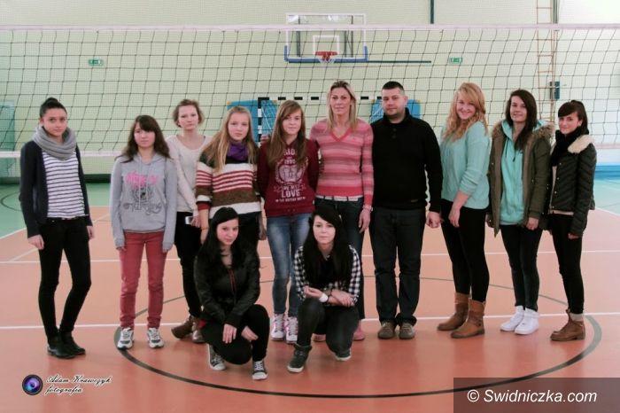 Świdnica: Dorota Świeniewicz odwiedziła swoja byłą szkołę