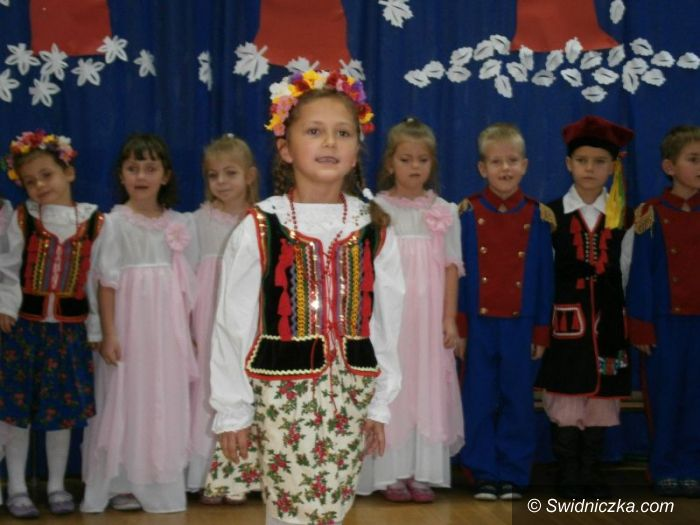 """Świdnica: Uroczyste obchody Dnia Niepodległości w """"Słoneczku"""""""