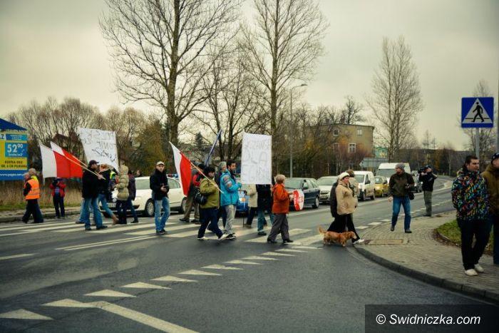 Kamienna Góra: Protestowali w sprawie drogi ekspresowej S–3