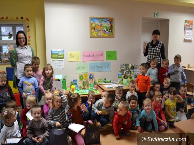 Gmina Dobromierz: Każdy przedszkolaczek wie, śmieci segreguje się