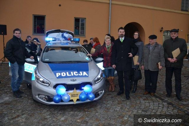 Strzegom: Nowy samochód dla strzegomskiej policji