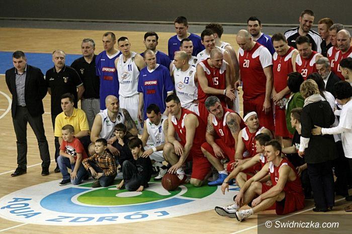 Wałbrzych: Koszykarze charytatywnie dla Bartka