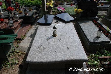 Świdnica: Okradał groby