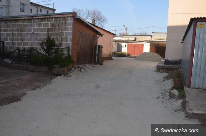Strzegom: Podwórko gminne będzie jak nowe
