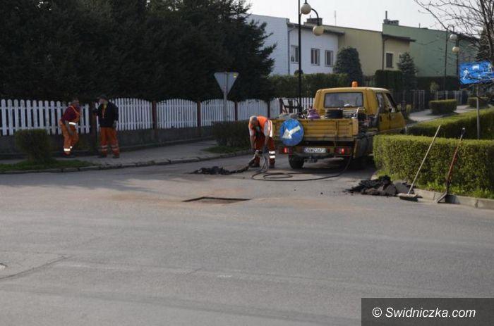 Żarów: Mniej dziur w drogach