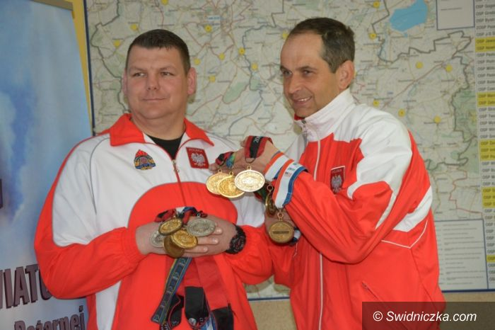 Świdnica: Strażak – olimpijczyk i piłkarze zagrają dla świdnickich strażaków