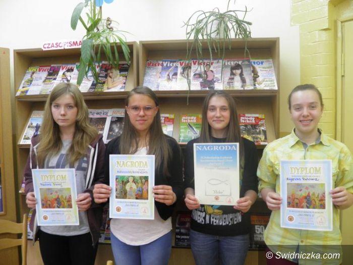 Świdnica: Gimnazjum nr 3 wygrywa konkursy o świętym papieżu