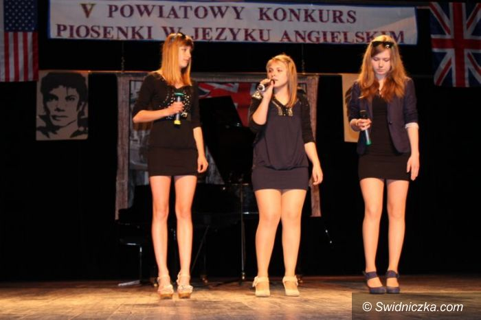 Świdnica: Powiatowy konkurs piosenki angielskiej