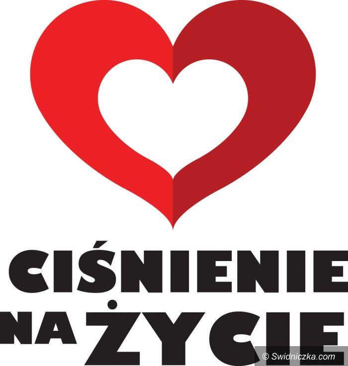 """Świdnica: 711 osób poznało wiek swojego serca w Świdnicy  z kampanią """"Ciśnienie na życie"""""""