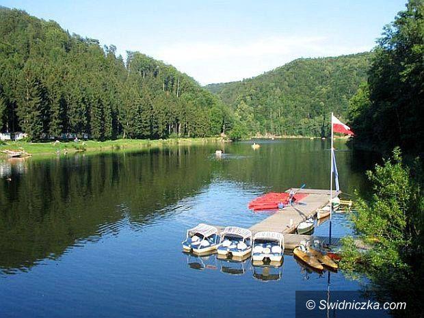 Zagórze Śląskie: Znów można się kąpać w Jeziorze Bystrzyckim!
