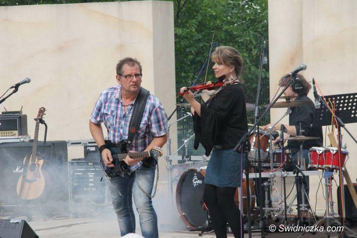 Świebodzice: W parku na rockowo