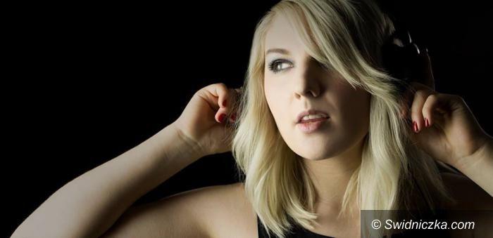 Kraj: JAK NIE JA, TO KTO? – wywiad z Karoliną Sawicką