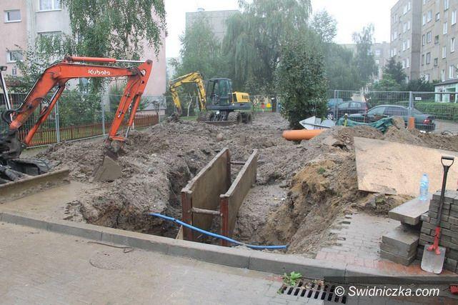 Świebodzice: Prac przy kanalizacji ciąg dalszy