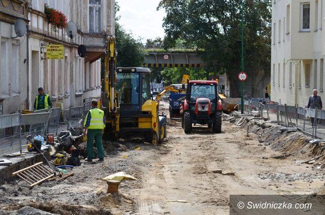 Strzegom: Kolejne utrudnienia na ul. Świdnickiej w Strzegomiu