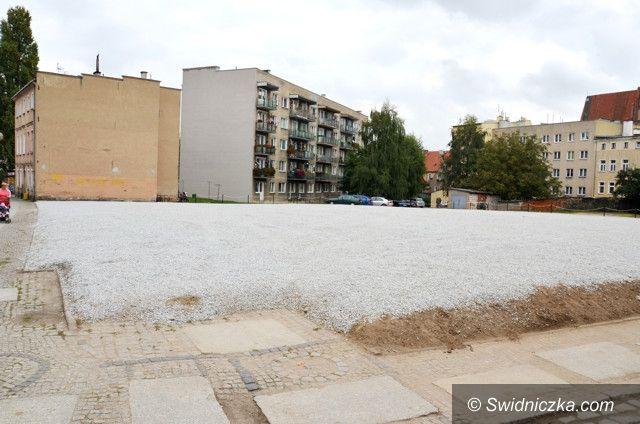 Strzegom: Kolejne miejsca parkingowe w Strzegomiu