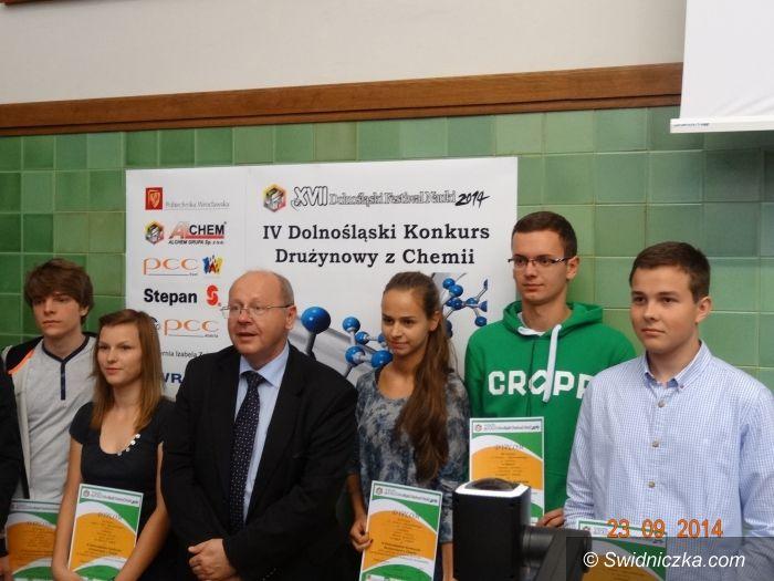 Wrocław: Srebrni chemicy z II LO
