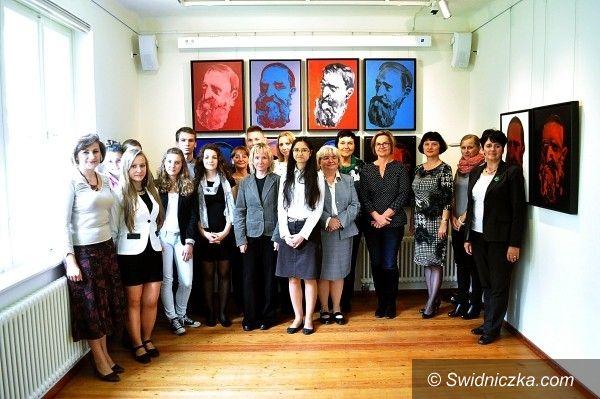 Drezno: Uczennice II LO w finale konkursu o J. I. Kraszewskim