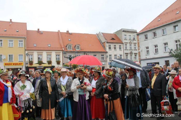 Świebodzice: Seniorzy przejęli miasto