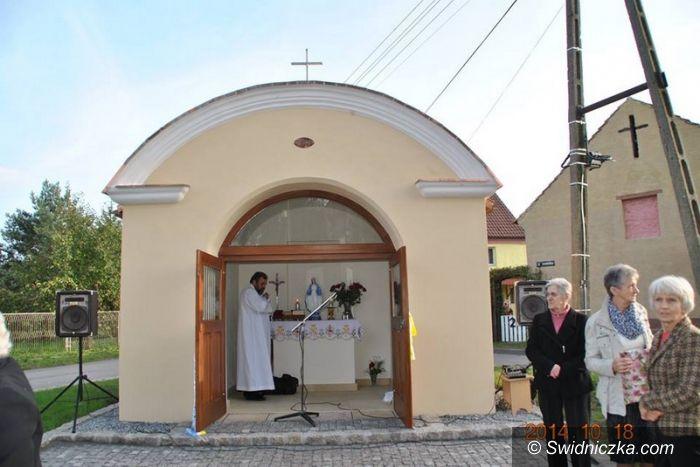 Kruków: Zabytkowa kapliczka po remoncie