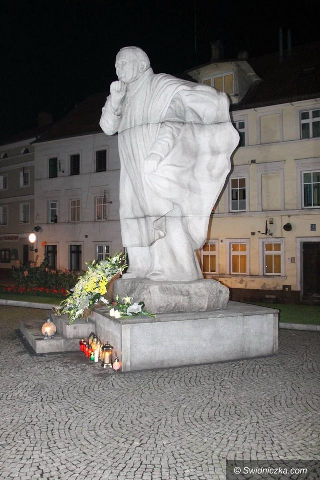 Świebodzice: Oddali cześć Janowi Pawłowi II